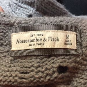 Abercrombie & Fitch Sweaters - Grey cable knit sweater - sz M Abercrombie & Fitch